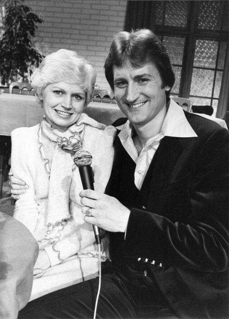 21 tv syng med 1981